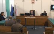 Proces sądowy… w targowej hali