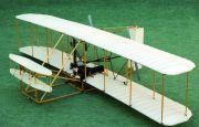 Jedyna na świecie latająca makieta pierwszego samolotu w Targach Kielce