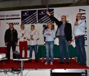 Drugi dzień Targów Lotnictwa Lekkiego z nagrodami dla motoparalotniarzy