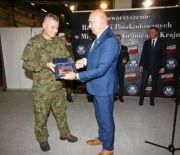 THE PROUD VETERAN STATUETTE PRESENTED AT THE MSPO