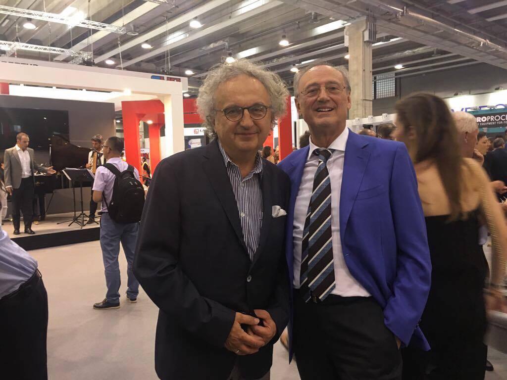 Prezes Targów Kielce dr Andrzej Mochoń i Mauricio Sala, Prezydent Włoskiego Stowarzyszenia Producentów Maszyn Odlewniczych AMAFOND podczas Targów METEF w Veronie potwierdzili udział włoskich firm i Stowarzyszenia podczas targów METAL w roku 2018.