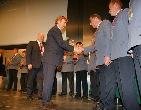 Targi Kielce to miejsce, gdzie wręczane są nagrody PZPN m.in. za pracę na rzecz poprawy bezpieczeństwa na obiektach piłkarskich