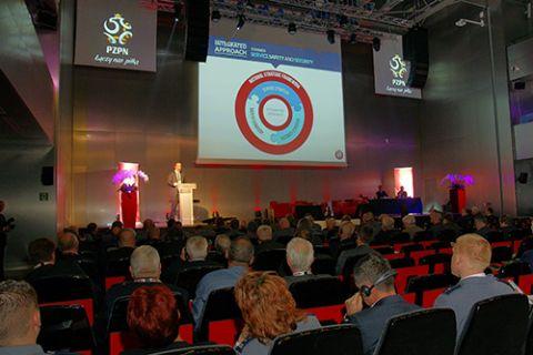 Podczas uroczystego otwarcia konferencji głos zabrał Marc TIMMER – Dyrektor Departamentu Stadionów i Bezpieczeństwa UEFA