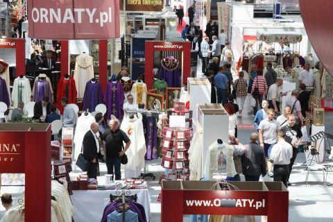 Od lat do kieleckich hal targowych SACROEXPO przyciąga blisko 5 000 zwiedzających