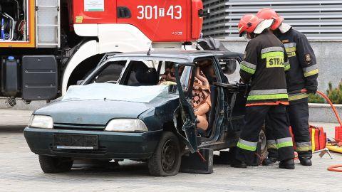 13 strażaków brało udział w akcji unieszkodliwiania zagadkowej substancji