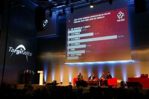 """Podczas """"Bezpiecznego Stadionu"""" 2015 w Targach Kielce publiczność brała czynny udział w dyskusji"""