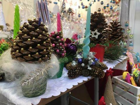 Ciekawe i niepowtarzalne pomysły na świąteczne prezenty i dekoracje znaleźć można w Targach KielceTysiąc jeden drobiazgów świątecznych