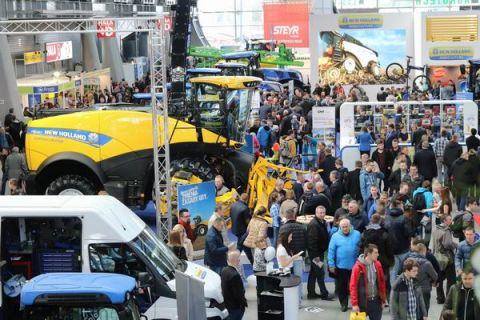 Tegoroczne targi AGROTECH w Targach Kielcach zgromadzą w 11 halach i na terenie zewnętrznym najnowsze ciągniki, maszyny rolnicze