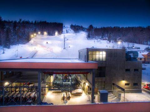 Testy sprzętu narciarskiego podczas Targów SPORT-ZIMA odbędą się na stoku ośrodka Beskid Sport Arena, źródło: http://beskidsportarena.pl