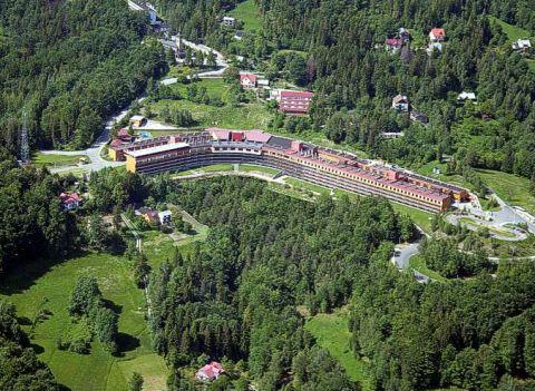 Przestrzeń Hotelu Orle Gniazdo idealnie nadaje się do ekspozycji oferty wystawców Targów SPORT-ZIMA, źródło: http://www.orle-gniazdo.pl