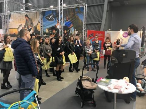 The blogger at the presentation at the Marko expo stand -  KIDS' TIME expo strategic partner