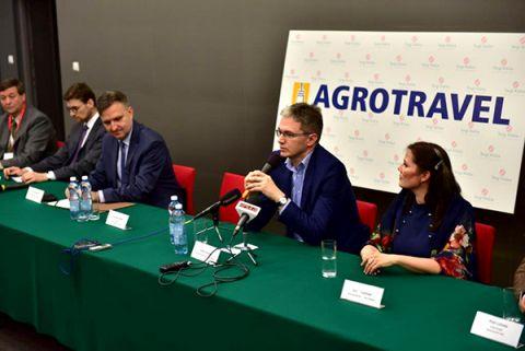 Podczas konferencji prasowej w Targach Kielce Adam Jarubas, marszałek województwa świętokrzyskiego mówił o łączeniu agroturystyki i turystyką pro-zdrowotną i uzdrowiskową
