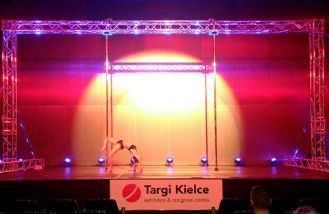 Pierwszy dzień FIT Weekendu to zmagania amatorek w Pole Dance Show