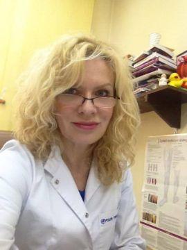 Dr Anna Chałupczak-Winiarska, specjalista dermatolog odwiedzi targi AtoPsoriaDerm w Targach Kielce 1 lipca 2017 roku