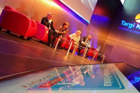 """Podczas debaty """"W dialogu buduje się najlepiej"""" głos zabrali eksperci pracujący nad efektywnością budowy dróg krajowych i autostrad w Polsce"""