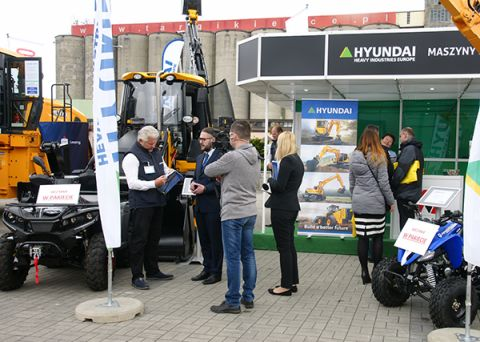 Amago is Polish capital company has a network of mobile service throughout the country.  Since 2003 Amago has been the exclusive distributor of Hyundai in Poland