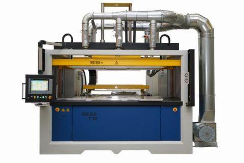 Maszyna Twin Sheet prezentowana przez firmę Geiss ma zamkniętą komorę co pozwala na formowanie w technologii Twin Sheet dowolnych materiałów termoplastycznych o dowolnej grubości i dużych rozmiarach