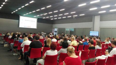 Konferencja AtoPsoriaDerm w Centrum Kongresowym Targów Kielce rozpoczęła się z udziałem ekspertów dermatologii i wielu pacjentów