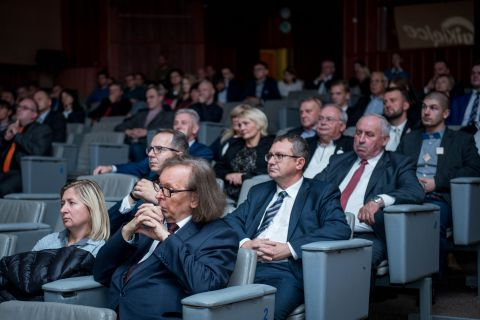 Kuratorzy i przedstawiciele jednostek oświaty: przedszkoli, szkół, uczelni wyższych zdecydowanie znajdą coś dla siebie podczas II Europejskiego Forum Nowych Technologii i Innowacji w Edukacji i Nauce.
