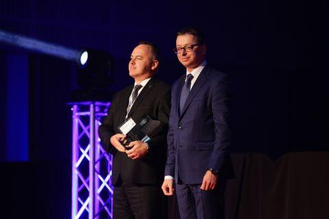NA zdjęciu Zastępca Szefa Biura Bezpieczeństwa Narodowego, Pan Dariusz Gwizdała oraz Pan Marek Różycki, Dyrektor Wojskowego Instytutu Łączności, które otrzymało Nagrodę Prezydenta RP.