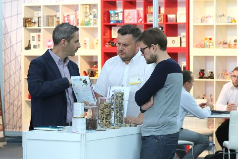 Ubiegłoroczne targi FLP w Targach Kielce odwiedziło około 800 specjalistów branży.