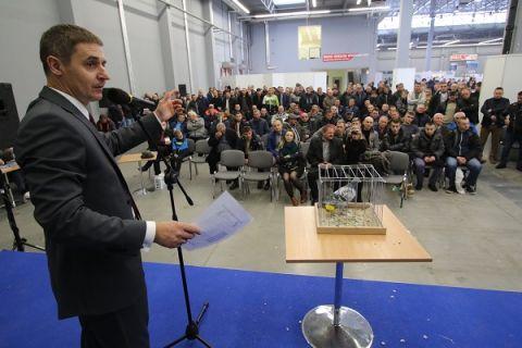 Charytatywne licytacje gołębi pocztowych w Targach Kielce cieszą się zawsze ogromnym zainteresowaniem hodowców