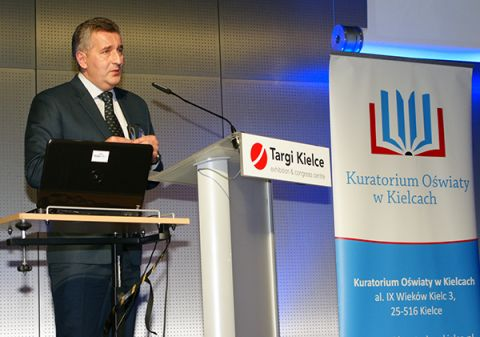 Mariusz Zyngier jako jedyny Polak znalazł się w 2016 roku w gronie 50 nauczycieli z całego świata nominowanych do Global Teacher Prize.