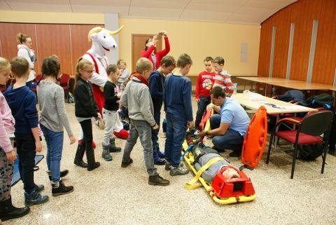 """Niemal 600 dzieci ze świętokrzyskich podstawówek wzięło udział w projekcie """"Bezpieczny Lód"""""""