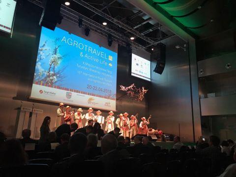 """Uroczystość otwarcia targów AGROTRAVEL & ACTIVE LIFE w Kielcach uświetnily występy ukraińskiego zespołu """"Podolscy muzycy"""""""
