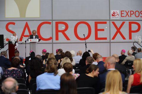 Wielu znamienitych gości wzięło udział w otwarciu targów SACROEXPO I EXPOSITIO w Targach Kielce.