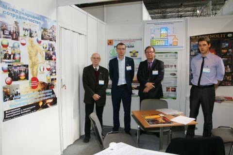 Przedstawiciele białoruskiego stowarzyszenia  podczas ostatniej edycji targów METAL w Targach Kielce