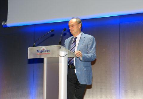 Maurizio Sala, Prezydent Włoskiego Stowarzyszenia Producentów Maszyn Odlewniczych AMAFOND przemawiający podczas uroczystej gali otwarcia METAL 2016 w Targach Kielce.
