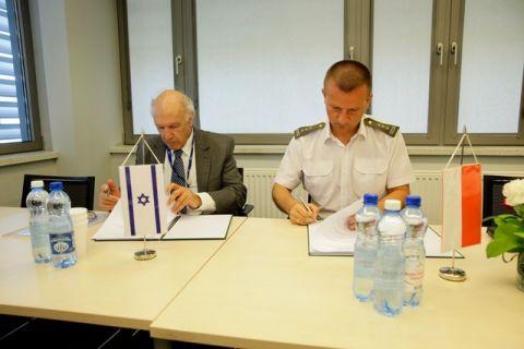Podpisanie porozumienia między Polską i Izraelską firmą podczas MSPO 2018