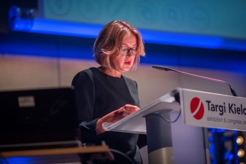 The letter from the Minister of National Education was read by Małgorzata Szybalska from the Department of Cirricula, Textbooks and Innovations