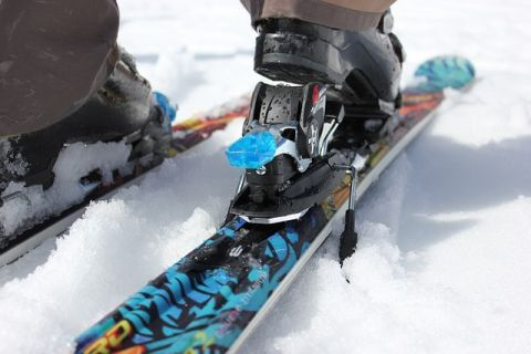 SKI EQUIPMENT - WHAT ARE THE POLES' SHOPPING OPTIONS?