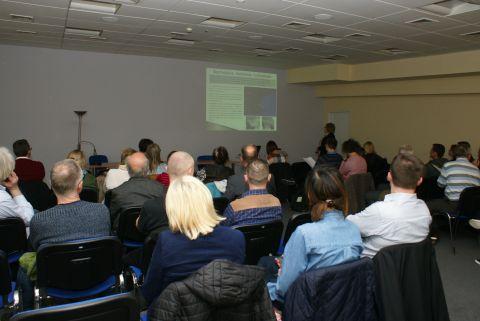 W czasie targóow Dom w Targach Kielce odbyła się konferencja geologiczna, w której wzięło udział kilkadziesiąt zaproszonych osób.