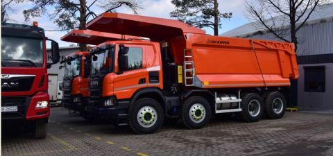 The ROTRA trade fair and accompanying events are the showcase for the KH- KIPPER - the company's expo stand is the showcase for W1MV type tipper, just to mention one of the many exhibits