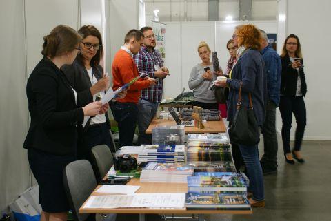 """Forum """"Zielona Autostrada"""" miało miejsce pierwszego dnia targów AUTOSTRADA-POLSKA w Kielcach."""