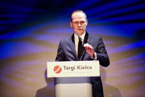Rafał Weber, the Secretary of State in the Ministry of Infrastructure solemnly  opened the AUTOSTRADA-POLSKA 2019 expo in Targi Kielce. This year's  expo is held until 16 May