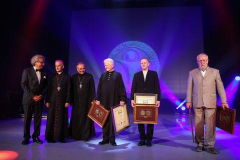 Tegoroczni laureaci Medalu Per Artem ad Deum