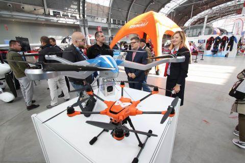 targi lotnictwa lekkiego, drony