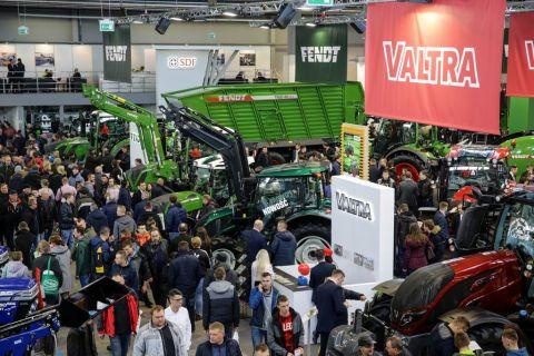 targi rolnicze agrotech 2018 - maszyny rolnicze, wystawa maszyn rolniczych