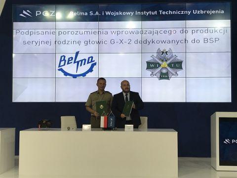 Dyrektor WITU płk dr inż. Rafał Bazela oraz Prezes Zarządu BZE BELMA S.A. Mariusz Bednarski