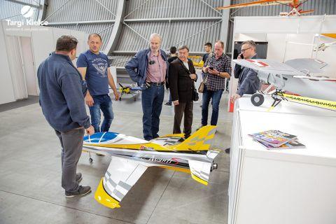 modele samolotów na targach modelarskich model kit expo w kielcach