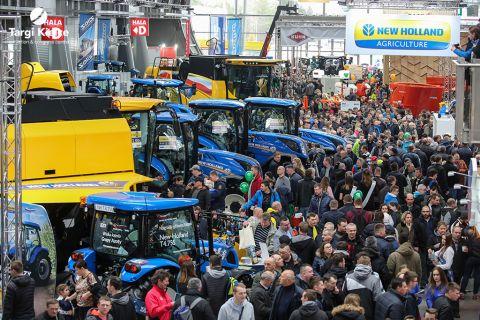 traktory, ciągniki, maszyny rolnicze na targach rolniczych agrotech 2019