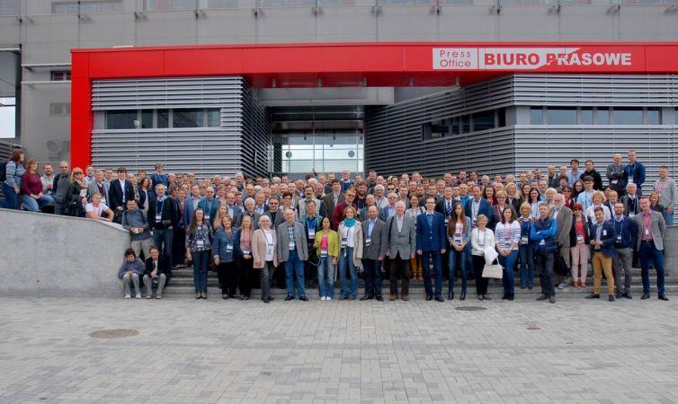 zjazd fizyków - zdjęcie grupowe